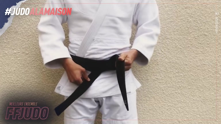 ATTACHER SA CEINTURE - JUDO A LA MAISON